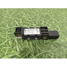 Датчик удара (airbag) 4B0959643E
